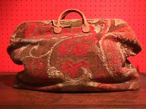 39c34023bf717e8fd68b295fdd305e76--bags-for-sale-carpet-bag.jpg